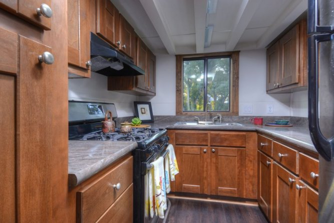 Kitchen - Morrison hOMe by EcoCabins