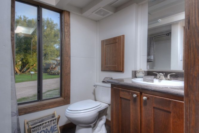 Bathroom - Morrison hOMe by EcoCabins