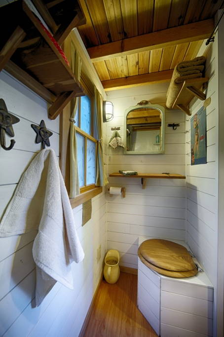 Bathroom - Bayside Bungalow