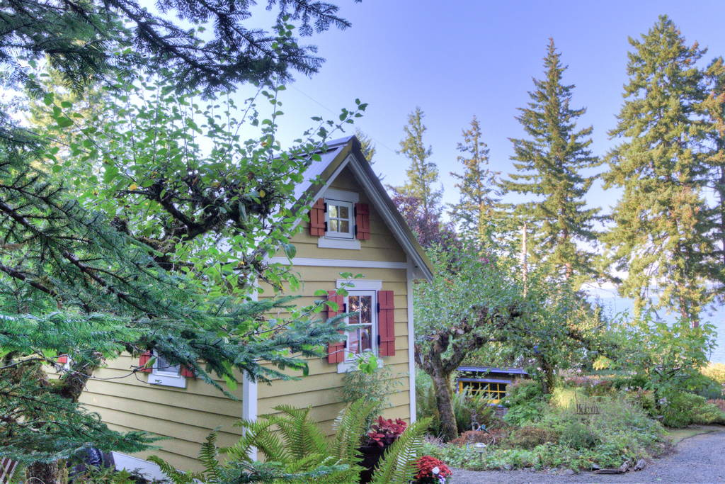 Tiny House, Quiet Location - Bayside Bungalow