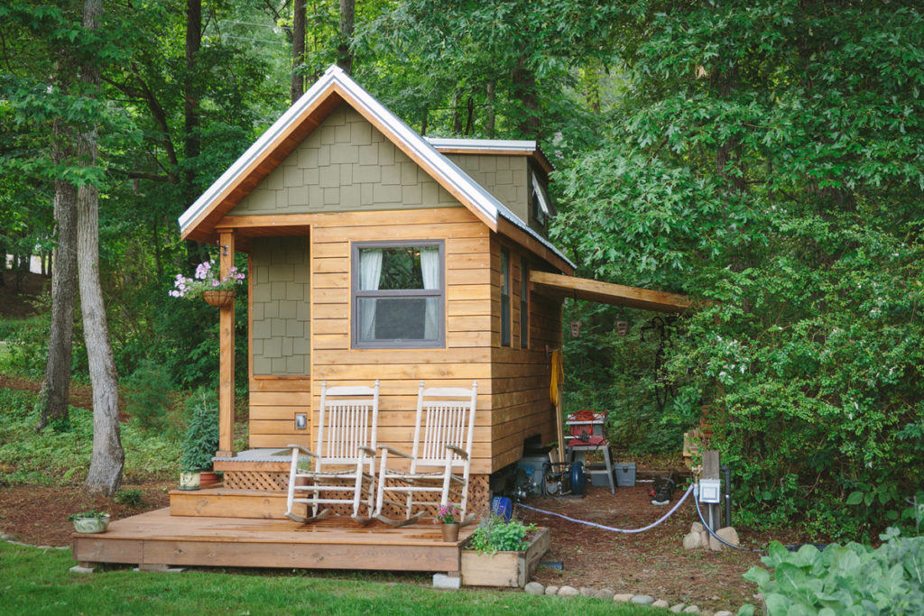 Traditional Craftsman Style Tiny House - Wind River Bungalow
