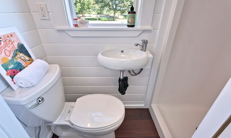 Bathroom - Amalfi Edition by Mint Tiny Homes