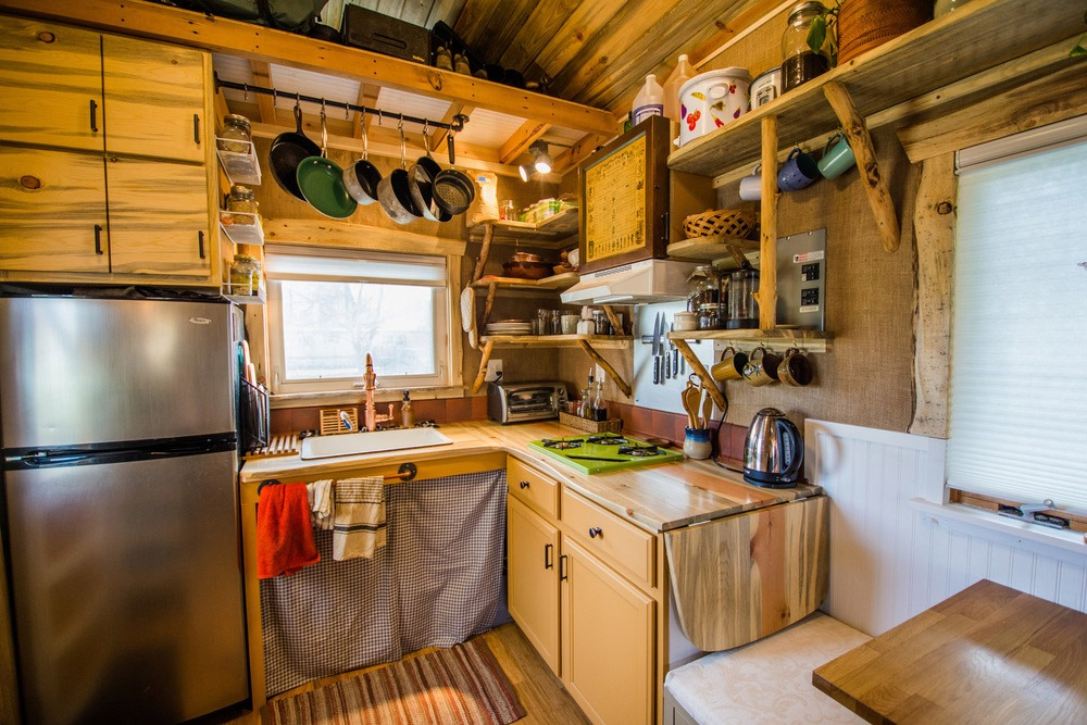 Kitchen - Bookworm by MitchCraft Tiny Homes