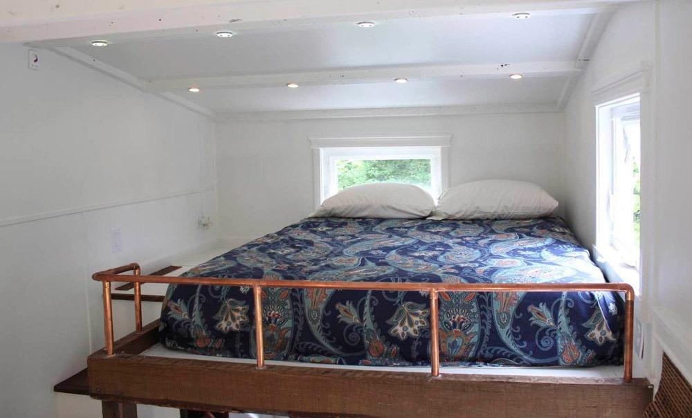 Bedroom Loft - Artisan Retreat by Handcrafted Movement
