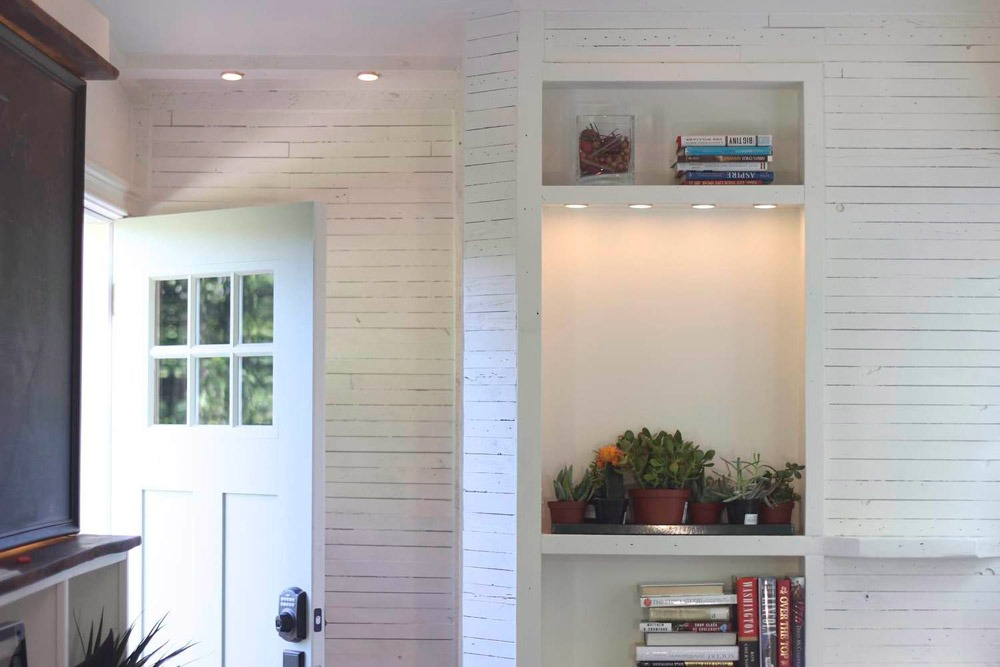 Entryway - Artisan Retreat by Handcrafted Movement