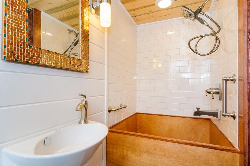 Bathroom - Sheriff by Wishbone Tiny Homes