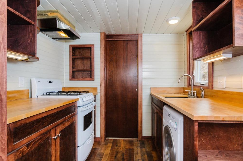 Kitchen - Sheriff by Wishbone Tiny Homes