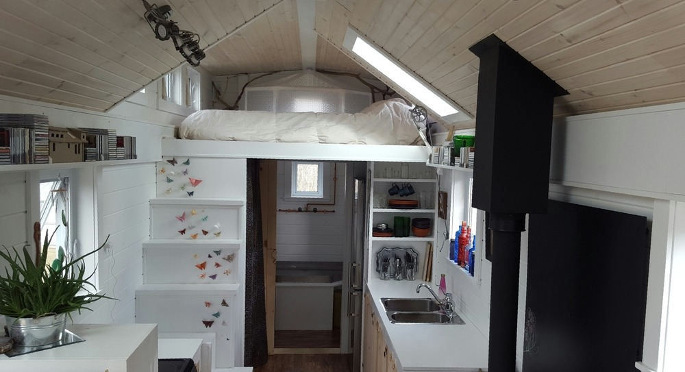 Bedroom Loft - T-Berry House by Full Moon Tiny Shelters