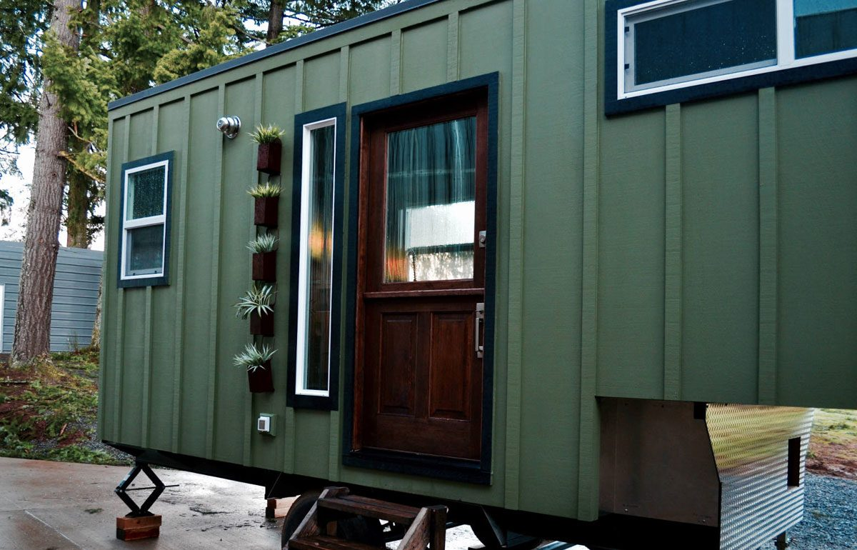 100 sq.ft. Ultra-Lightweight Tiny House - Aerodynamic by Tiny Heirloom