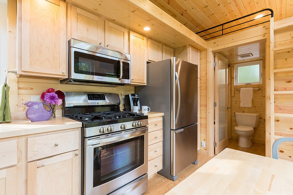 Kitchen Stove and Refrigerator - Traveler by Escape Traveler