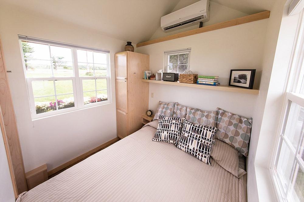 Main Floor Bedroom - Vintage by Escape Traveler