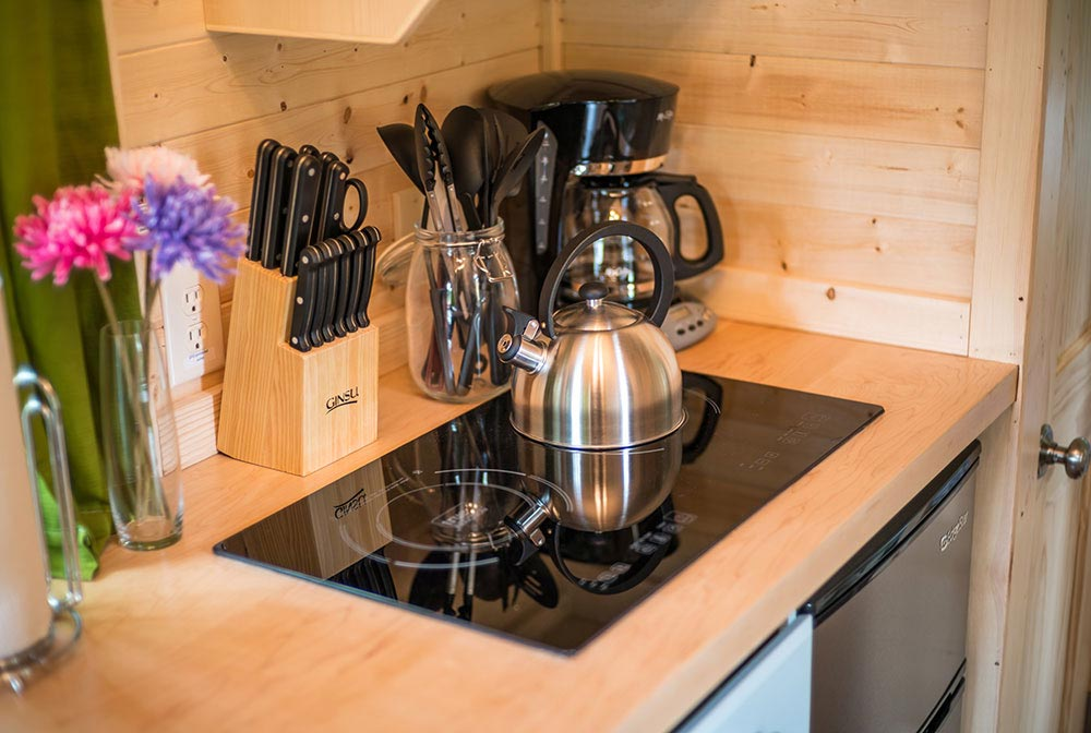 Electric cooktop - Zoe at Mt. Hood Tiny House Village