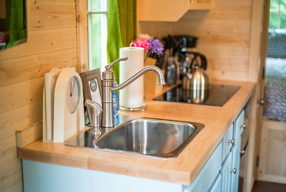 Kitchen sink - Zoe at Mt. Hood Tiny House Village