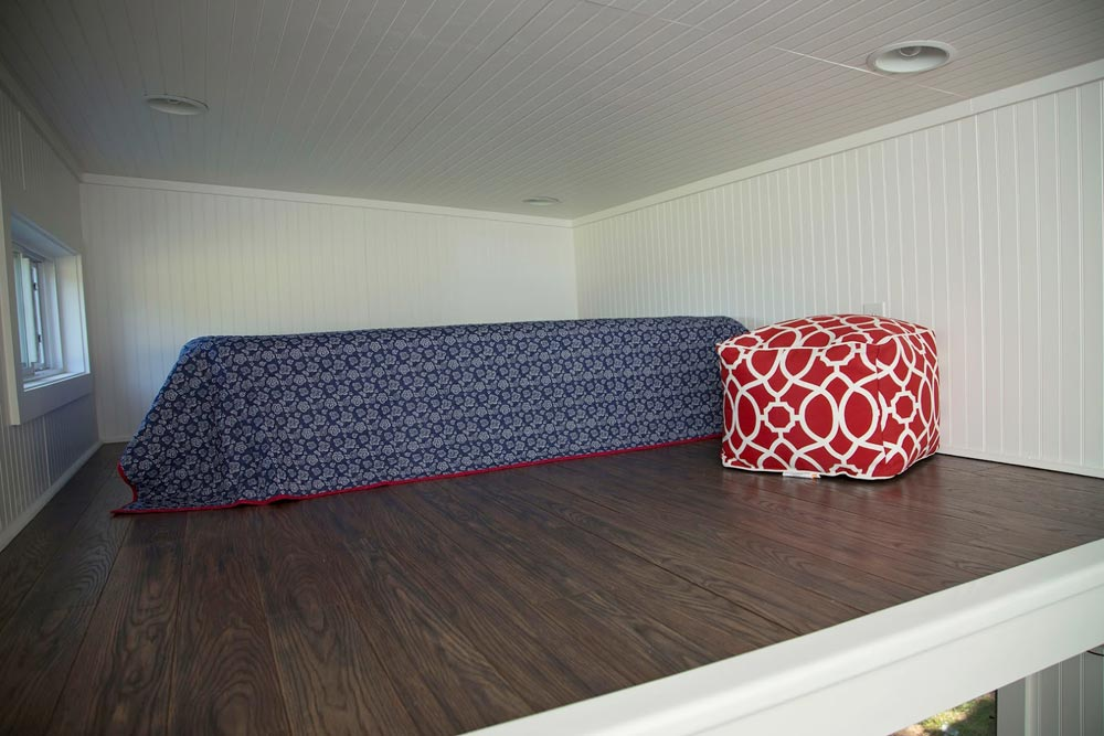 Master loft large enough for king bed - American Pie by Perch & Nest