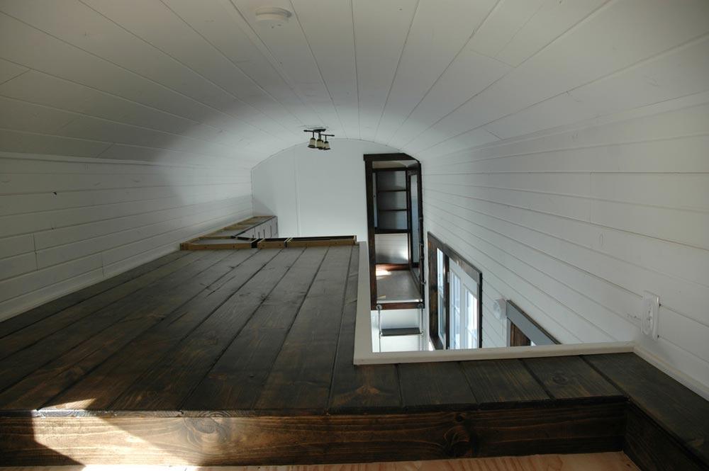 Bedroom loft - Carpathian by Tiny Idahomes