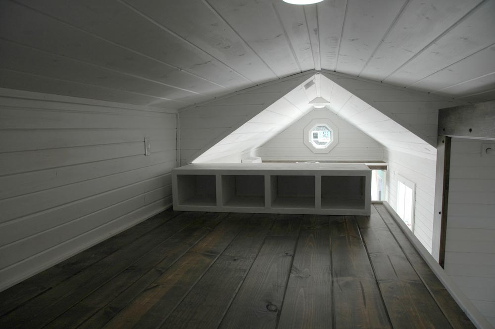 Bedroom loft storage - Clear Creek by Tiny Idahomes