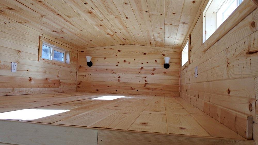 Bedroom loft - Phoenix by Tiny Idahomes