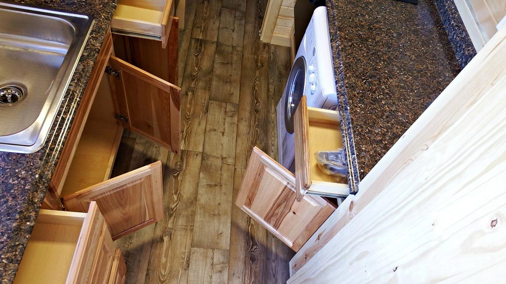Hickory cabinet, vinyl floors - Phoenix by Tiny Idahomes
