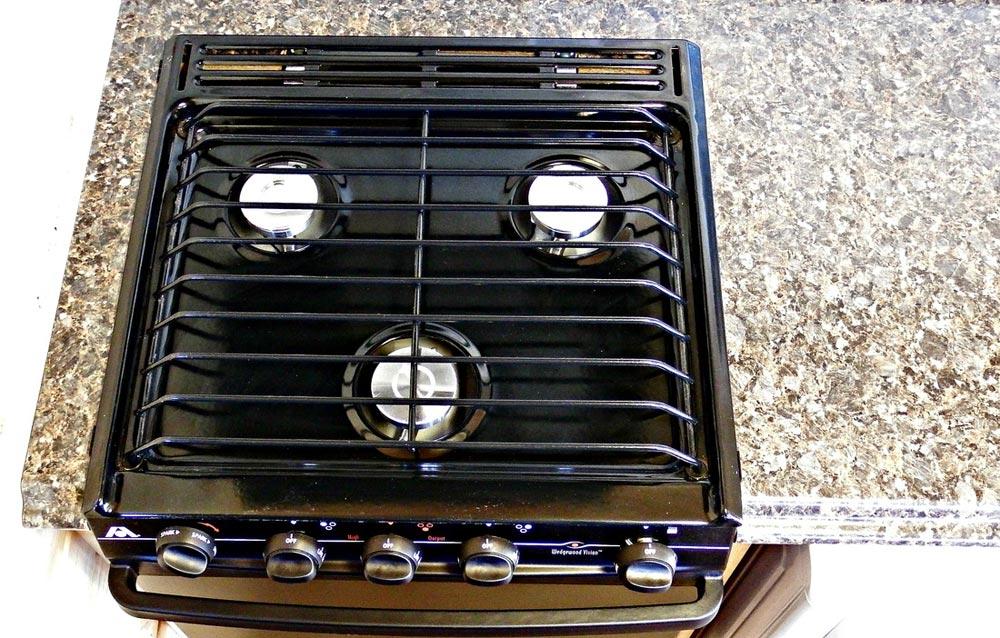 3-burner stove - Phoenix by Tiny Idahomes