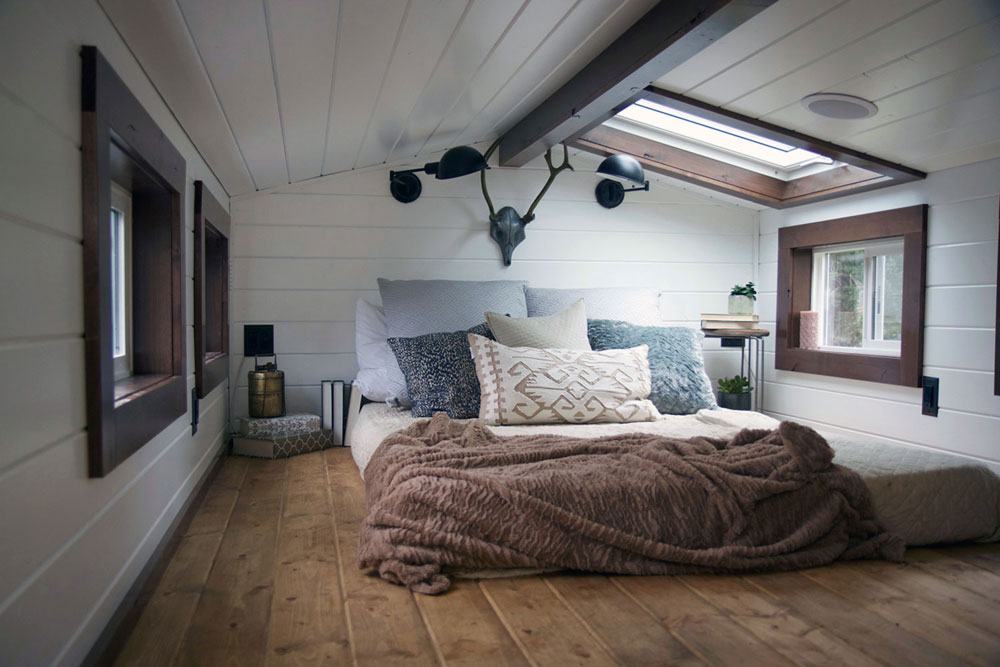 Bedroom loft with skylight - Northwest Haven by Tiny Heirloom