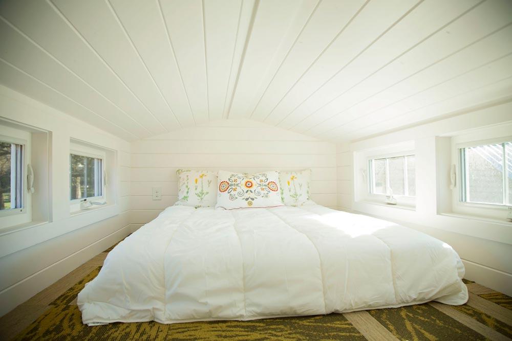 Bedroom loft - Pecan by Perch & Nest