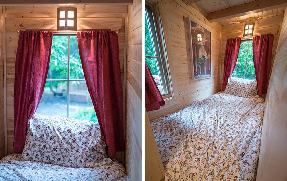 Downstairs bedroom - Scarlett at Mt. Hood Tiny House Village