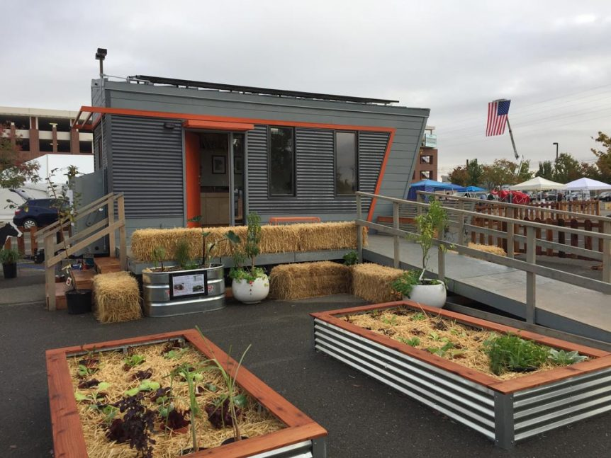 2016 SMUD Tiny House Competition - The Wedge by Laney College