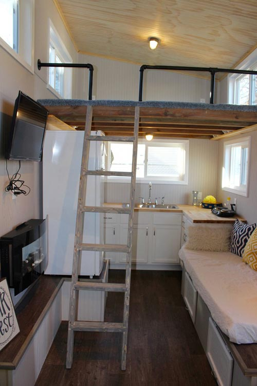 Tiny House Interior - Chic Shack by Mini Mansions