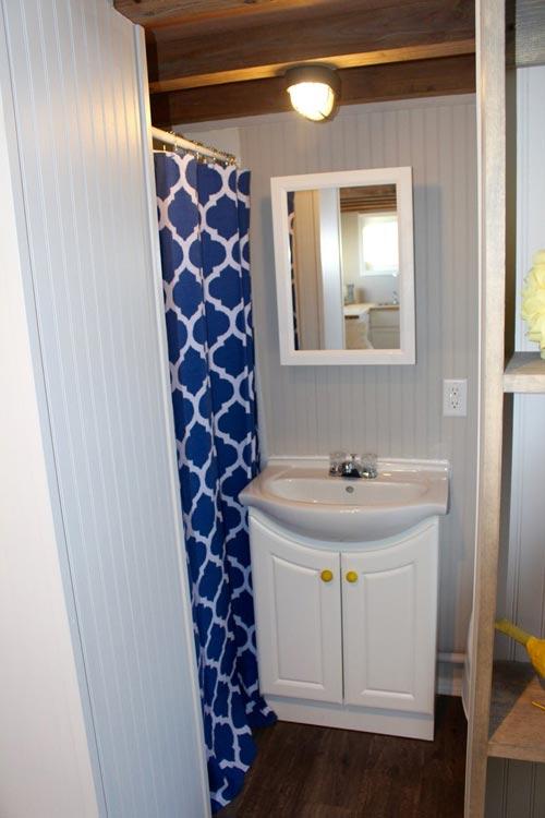 Bathroom - Chic Shack by Mini Mansions