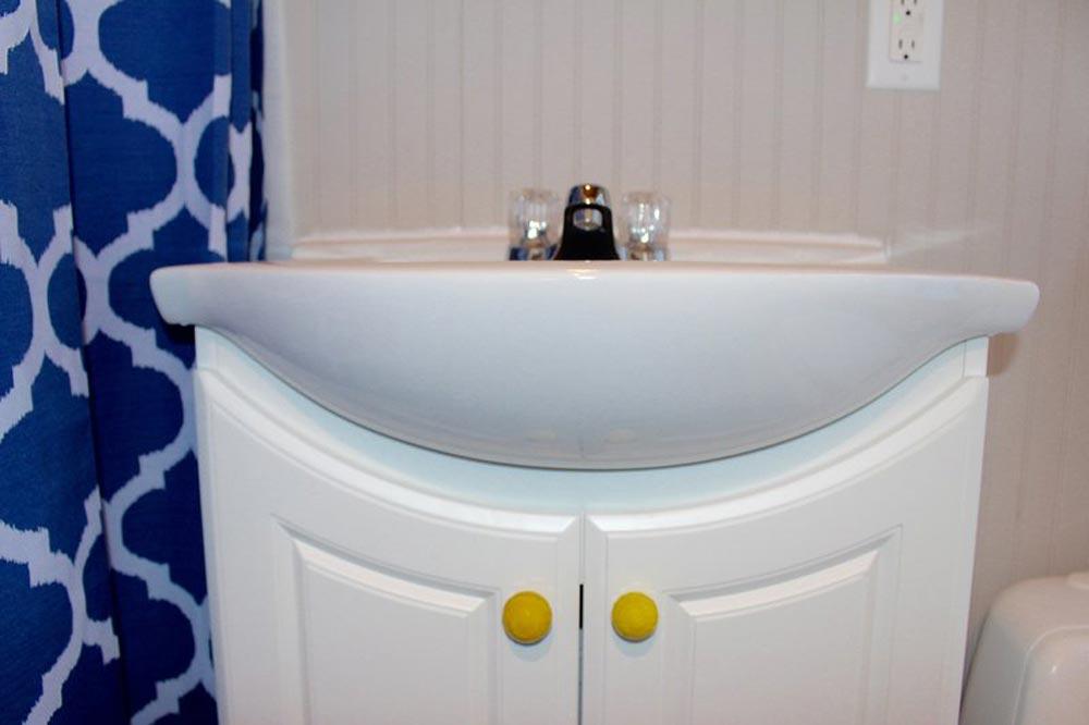 Bathroom Sink - Chic Shack by Mini Mansions