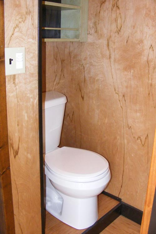 Bathroom - DS 400 by Tiny By Design