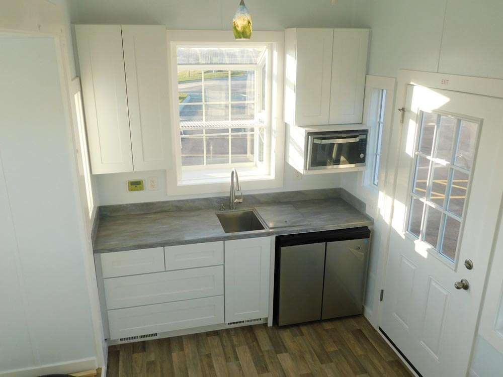 Kitchen - Ginger's Gem by Tiny Idahomes