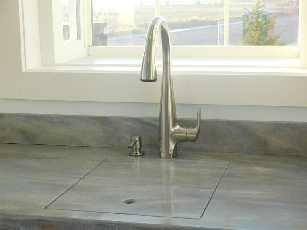 Sink w/ Cover - Ginger's Gem by Tiny Idahomes