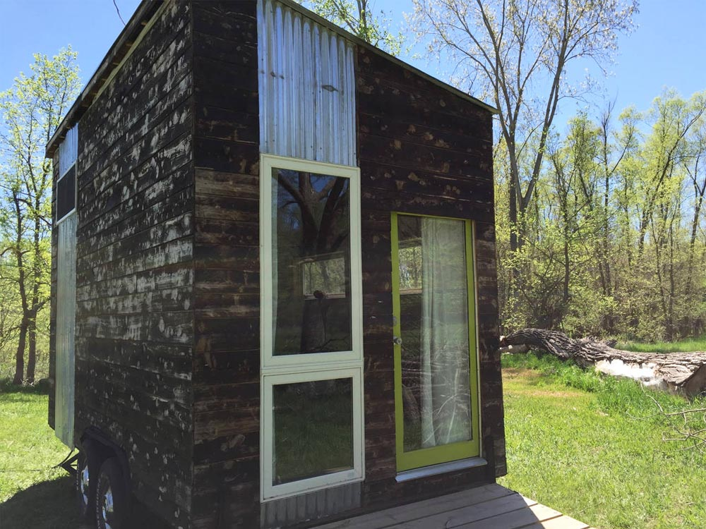 Airbnb Rental - Modern Tiny House in Gretna, NE