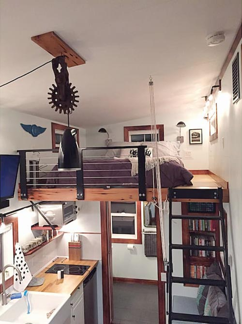 Queen Bedroom Loft - Makers Tiny House on Guemes Island