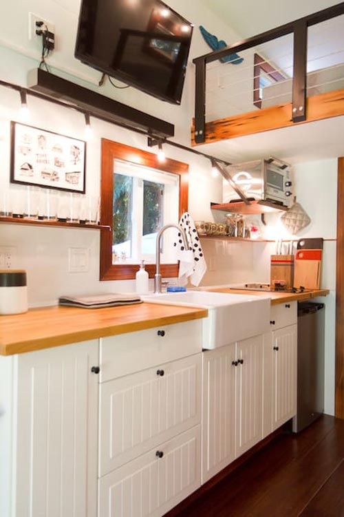 Kitchen - Makers Tiny House on Guemes Island