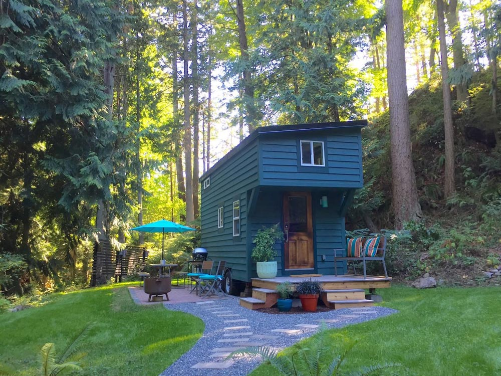 Airbnb Rental - Makers Tiny House on Guemes Island
