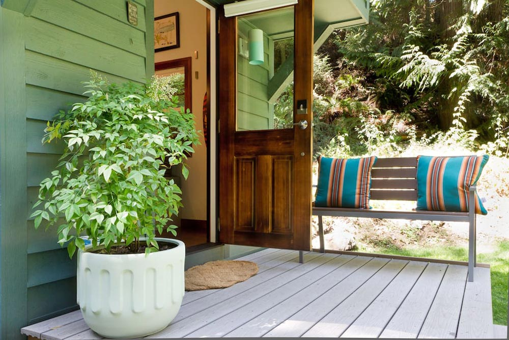 Front deck - Makers Tiny House on Guemes Island