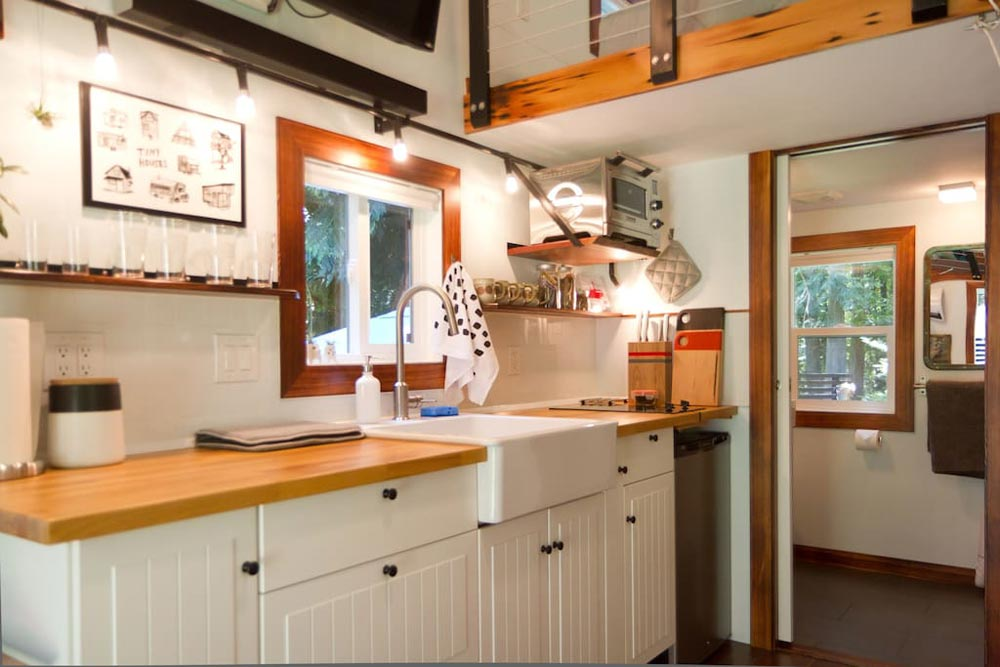 Kitchen with farm sink - Makers Tiny House on Guemes Island