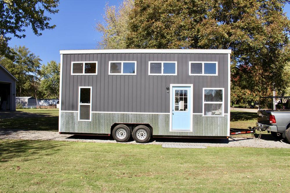 Relax shack by mini mansions tiny living for Mini mansions houses