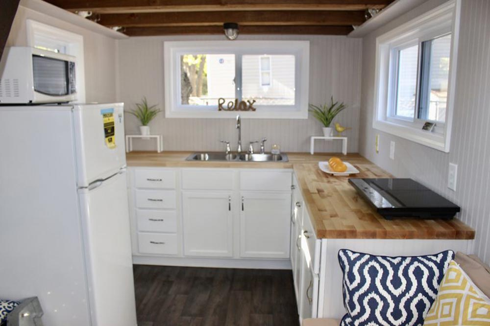 Kitchen - Relax Shack by Mini Mansions