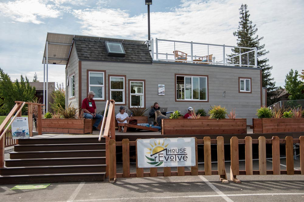 2016 SMUD Tiny House Competition Winner - rEvolve by Santa Clara University