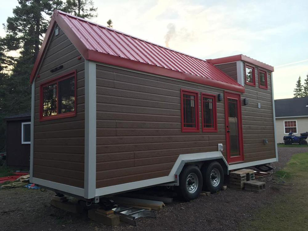 210 sq.ft. Tiny House by Rollin Cabins