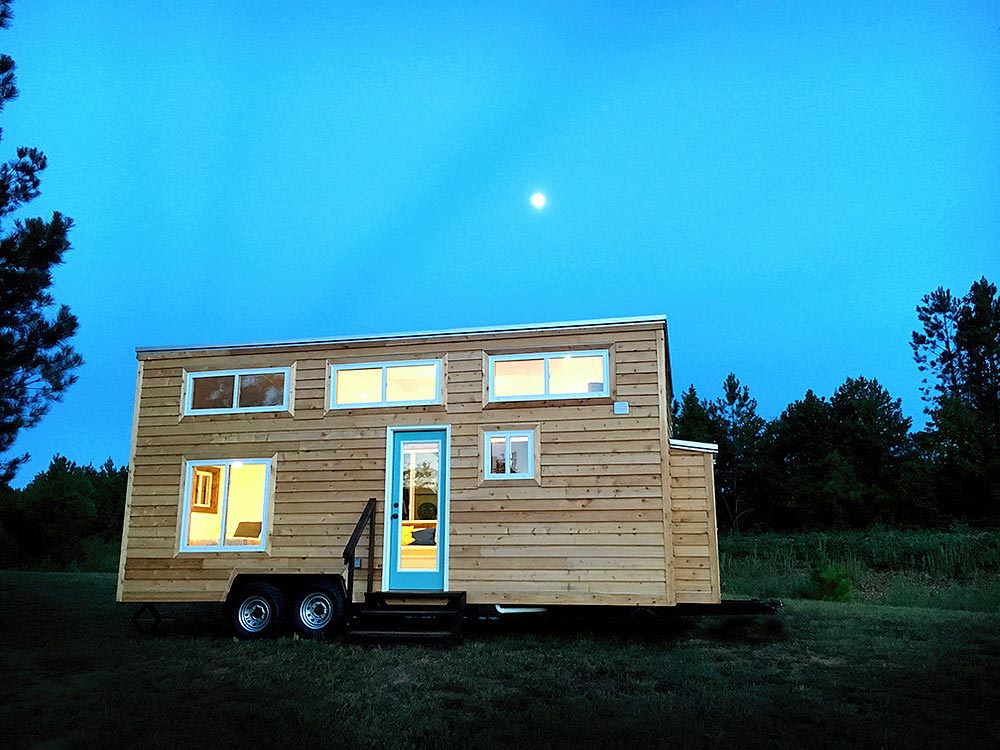 270 sq.ft. Tiny House on Wheels - Youngstown by Harmony Tiny Homes