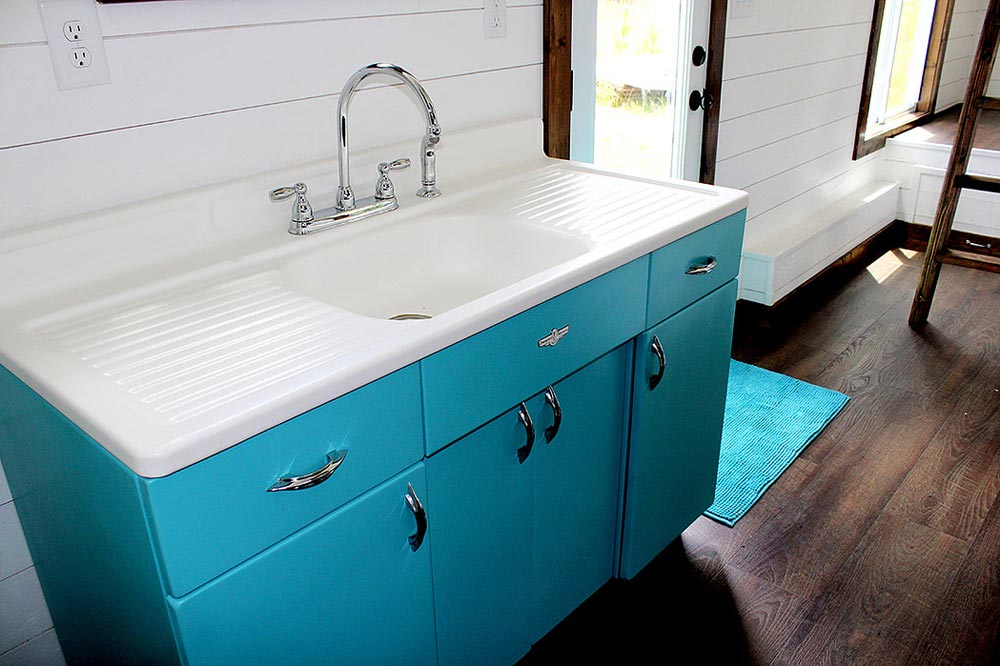 Fully restored vintage 1940s sink - Youngstown by Harmony Tiny Homes