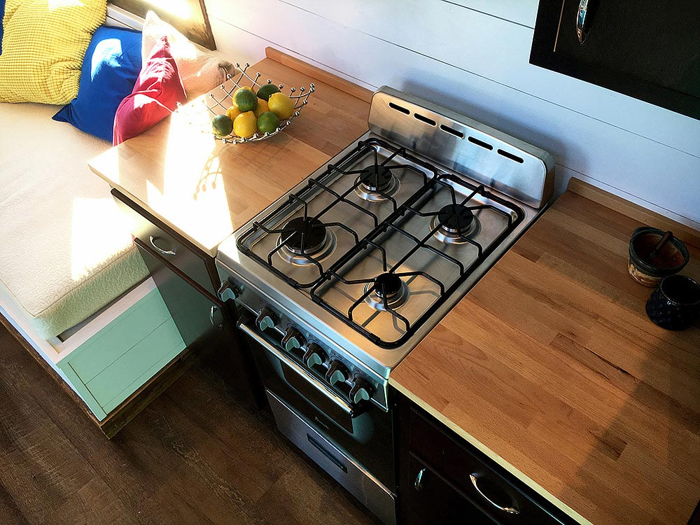 Propane Gas Stove - Youngstown by Harmony Tiny Homes