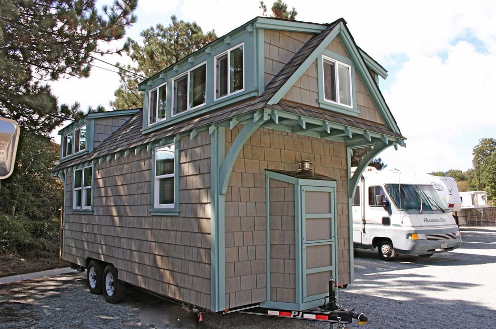20' Tiny House - Craftsman Bungalow by Molecule Tiny Homes