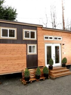 24' Tiny House on Wheels - Everett by American Tiny House