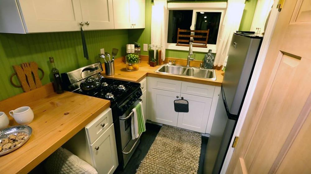 Kitchen - Everett by American Tiny House