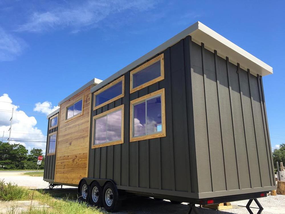 350 sq.ft. Tiny House - Irving by Tiny House Construction